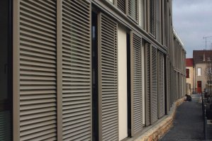 Folding / Sliding Shutters Fachadas